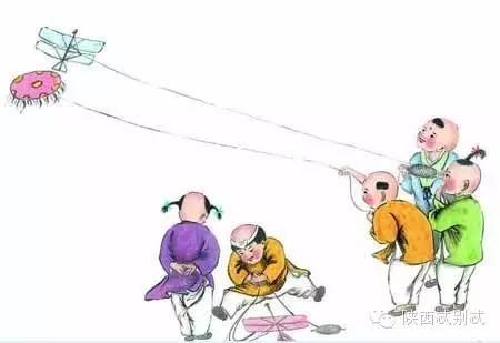 风筝的,多比较小,适宜于小孩子们玩耍,而大多数还是自己糊的,较大,放